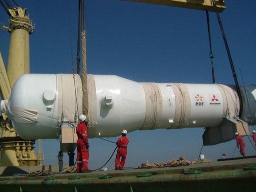 Un monstre de 300 tonnes arrive à Cruas dans Info 1173671-1515478